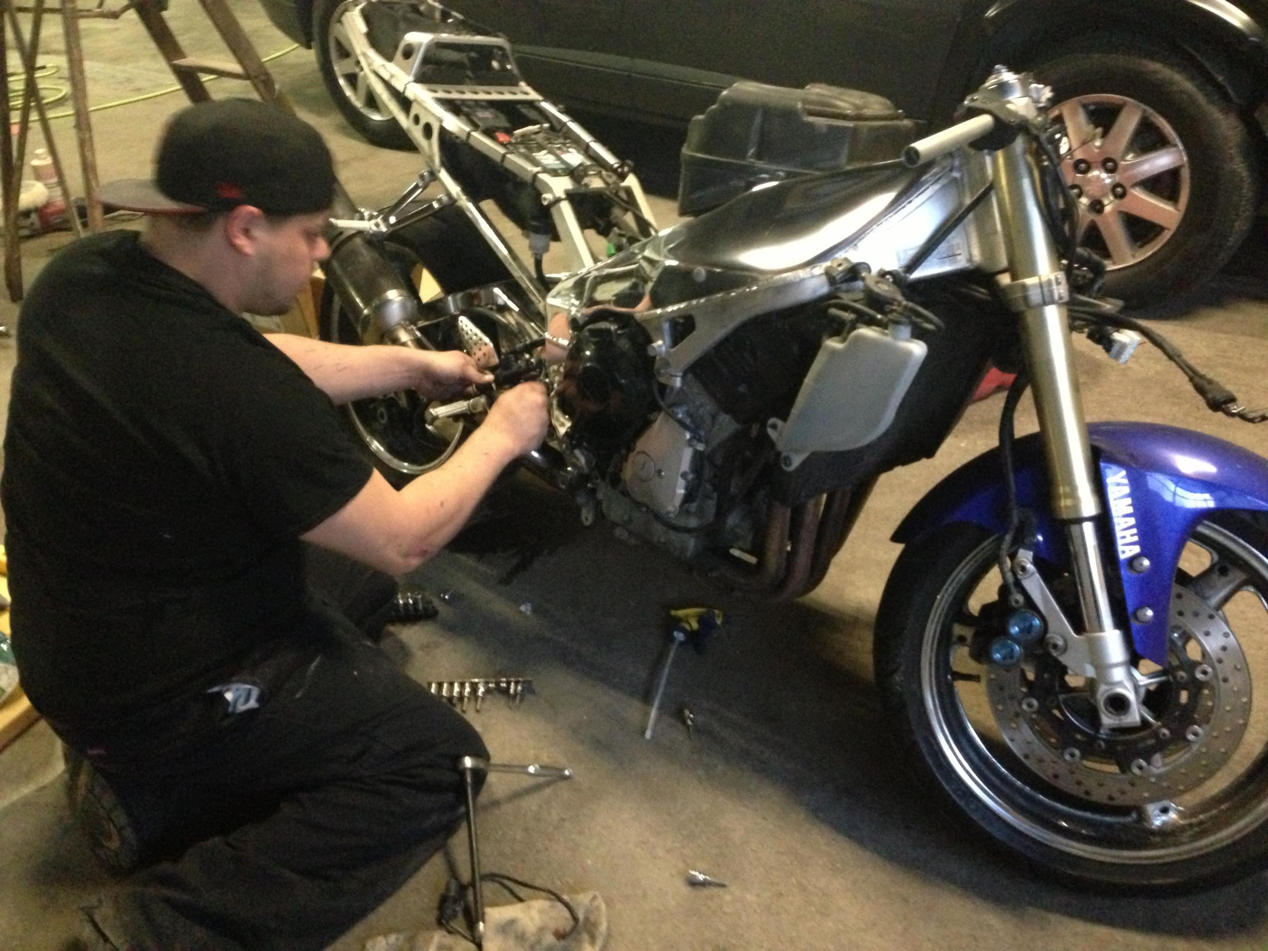 yamaha r1.motocycle repair as well